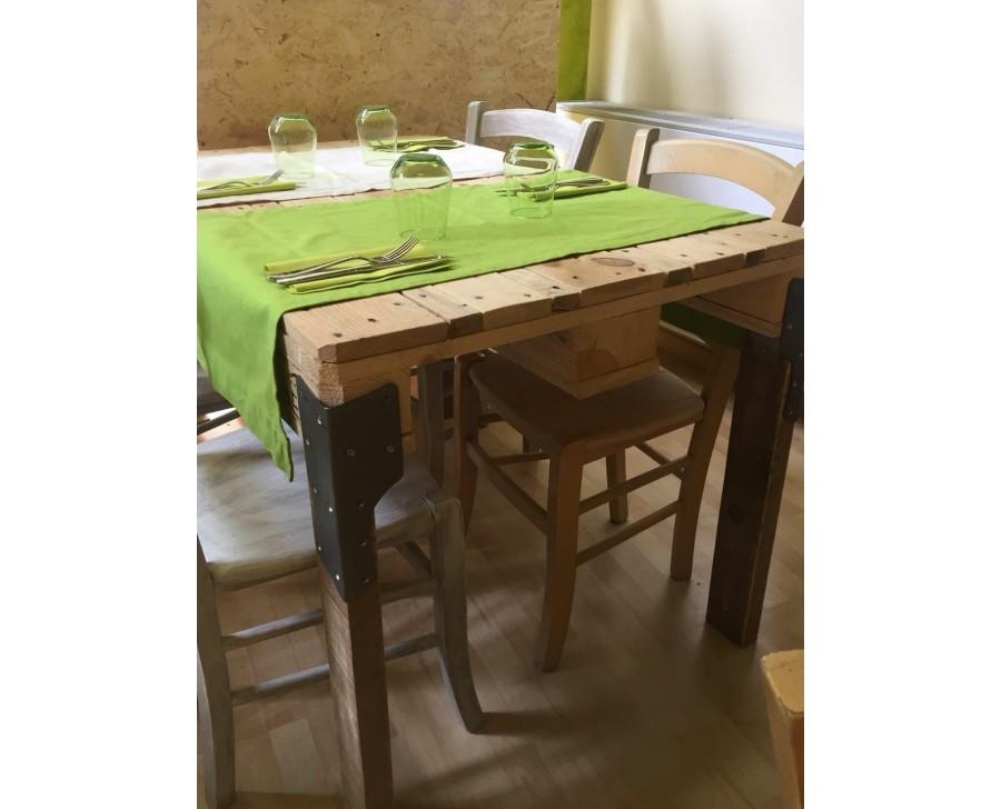 Tavolo In Legno Massello Con Pallet Bancali Epal Arredamento 120x80 O 80x70